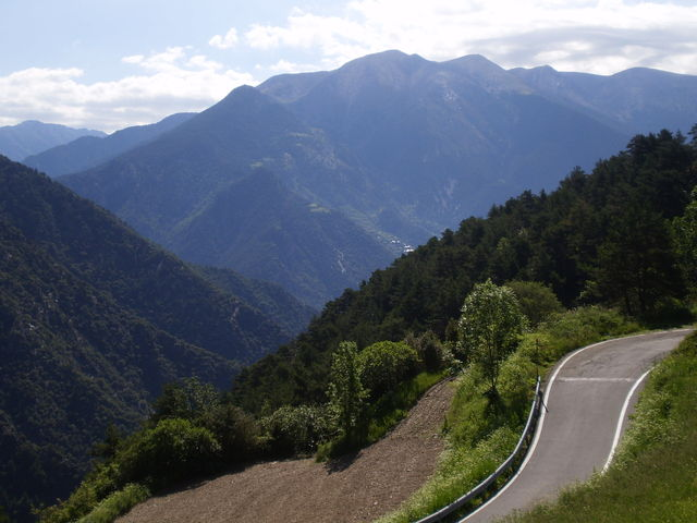 Nordanfahrt: Blick auf die Berge des Südostens von Andorra.