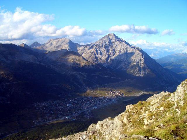 Blick auf Montgenèvre vom Janus, dahinter der Mt. Chaberton