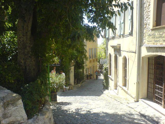 typisches Straßenbild von Le Castellet