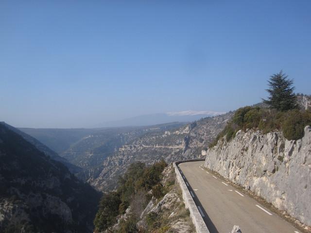 Géant de Provence aus der Gorges de la Nesque gesehen.