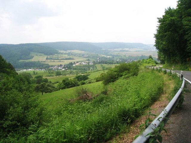 Ausblick auf Holsthum, Westauffahrt.