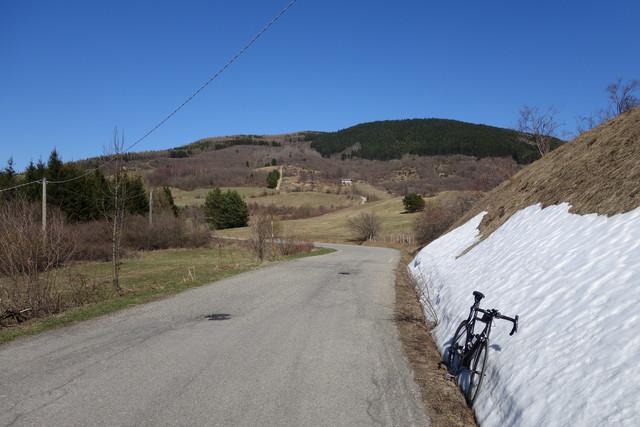 Am Pass. Strasse in Richtung Passo della Penice
