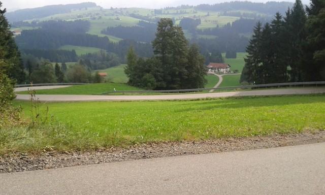 Serpentinen Blick über den Irsengrund Richtung Oberstaufen.