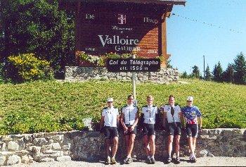 Wir (Andy, Jan, Till, Tobi und Tim) am Col du Telegraphe.Sommertour 2000