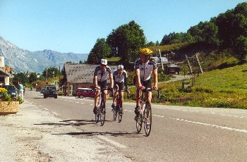 Tobi, Till, Jan in Valloire am Fuß des GalibierSommertour 2000