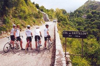 Wir (Tobi, Jan, Tim, Till, Andy) am Col de CastillonSommertour 2000