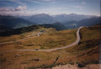 Der Blick vom Jaufenpass auf die Nordrampe in Richtung SterzingItalien 1999