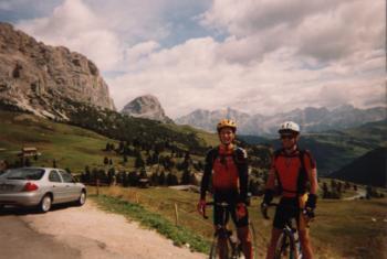 Jan und Tobi an der Passh�he des Gr�dnerjochsItalien 1999