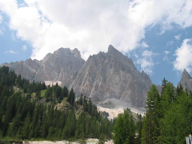 Monte Cristallo von der Ostseite aus gesehen.