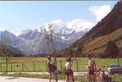 Maustation Ferleiten: Unsere kleine Gruppe (2 Frauen, 2 M�nner) mit Blick nach Westen zum (ich glaube ...) gro�en Wiesbachhorn (3570 m).Torsten K�hler