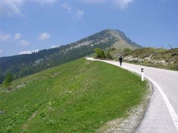 Kurz vor der Passhöhe am Monte Tremalzo wird es nochmal steil