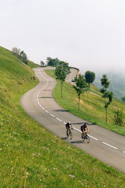 Topsi und Andy am Col de Peyresourde.Tag 3 Sommertour Pyrenäen 2002