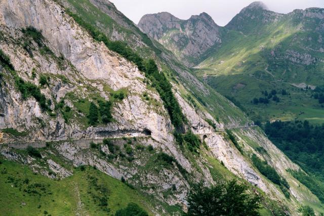 Die Strasse vom Soulor zum Aubisque.Tag 6 Sommertour Pyrenäen 2002