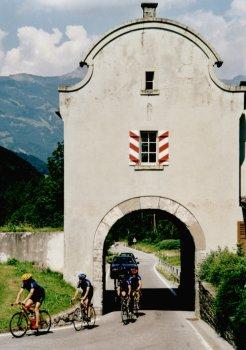 Alte Festungsdurchfahrt am Luzisteig.Sommertour 2001