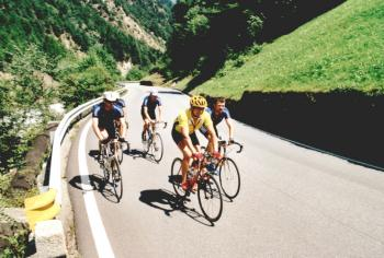 Am Suldenbach entlang bewältigt man die erste Steigung zum Stilfser Joch.Tag 2 Sommertour 2001