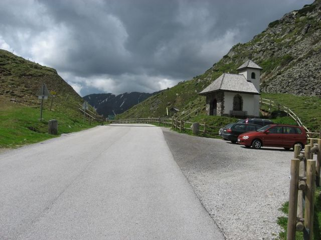 Kapelle am Pass.