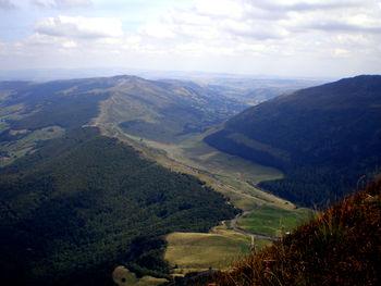 Blick vom Puy Mary ins Tal der Santoire, Richtung Dienne.