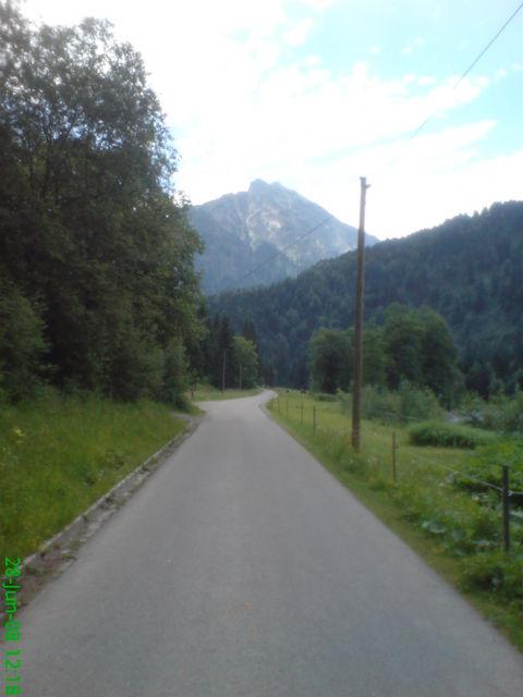 Talstraße mit Älpele Kopf