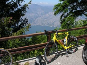 Blick vom Monte Baldo-Massiv auf den Gardasee.