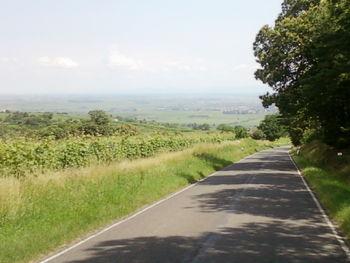 Abfahrt nach Leisstadt mit Blick auf die Rheinebene.