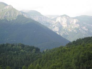 Etwas höher ist der Einschnitt des Col Falcon zu erahnen.