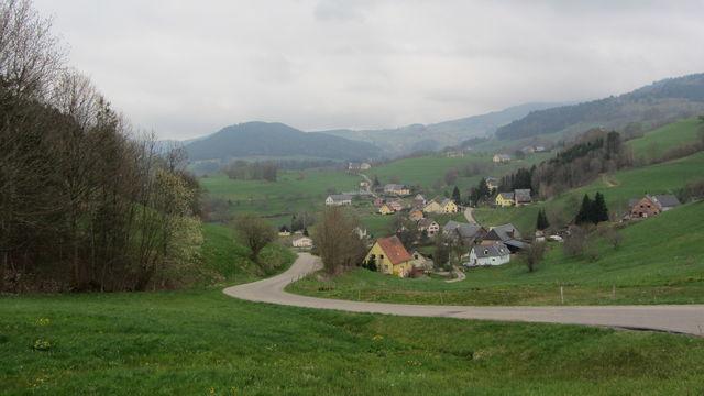 Südanfahrt: Rampe hinter Remomont.