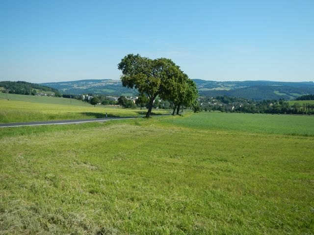 Auff SZB oberhalb Schwarzenberg Blick zurueck.