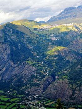 Alpe d'Huez - der gesamte Hang von der Strecke Villard Notre Dame zum Col de Solude gesehen
