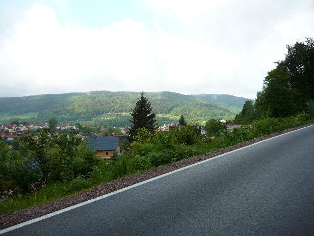 Ruppberg - Auffahrt von Zella Mehlis - 6 - Freier Blick auf Zella Mehlis.