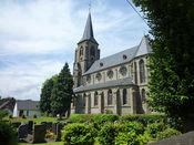 Vorbei an der St. Servatius Kirche in Landkern.