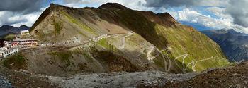 -Panorama Stelvio Nordostrampe (links Tibeth�tte).