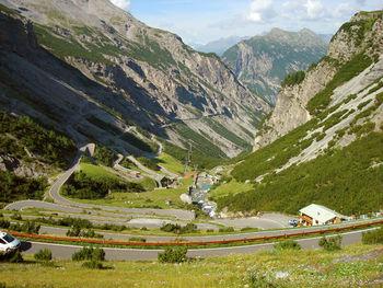 Steht der Auffahrt von Prato kaum nach: die s�dliche Variante von Bormio.