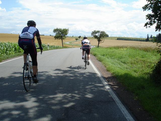 Ruedi und Manu im Anstieg bei der 2. quaeldich.de-dopingfrei-Tour Thüringen 2009.