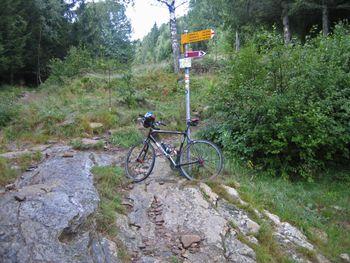 13 profanes Ziel, Parkplatz der Alpe di Gardosa (1320m).