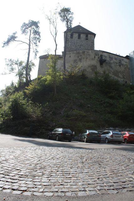 BurgHohenklingen-PasshheunterhalbderBurg.