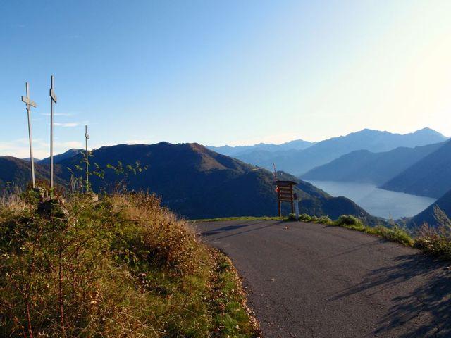 01 an der Capanna Bruno, Blick hinunter zum Lago di Como,18.10.09.