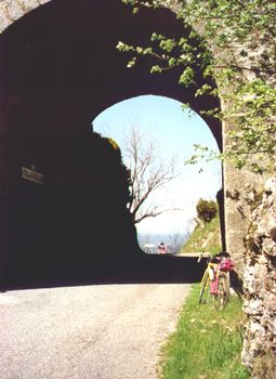 Passhöhe Tunnel