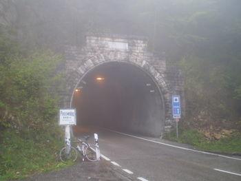 Vor dem Tunnel.