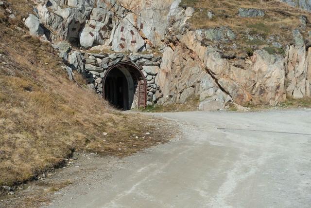 im tunnel wird es kalt und nass bild m rjelensee 2370 m. Black Bedroom Furniture Sets. Home Design Ideas