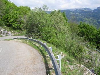 Steile Kehren in der Auffahrt zum Plaine-Joux.