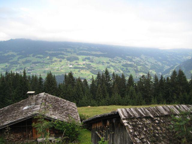Leider wolkenverhangener Blick nach Bartholomäberg