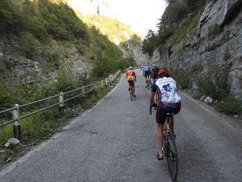 Herrlich geht es durch die Elva-Schlucht Richtung Colle Sampeyre.