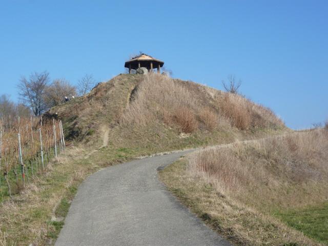 Das Ziel vor Augen: Der Pavillon auf der Mondhalde