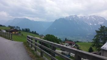 Blick von der Grubachstraße zum Hohen Göll und ins Hagengebirge