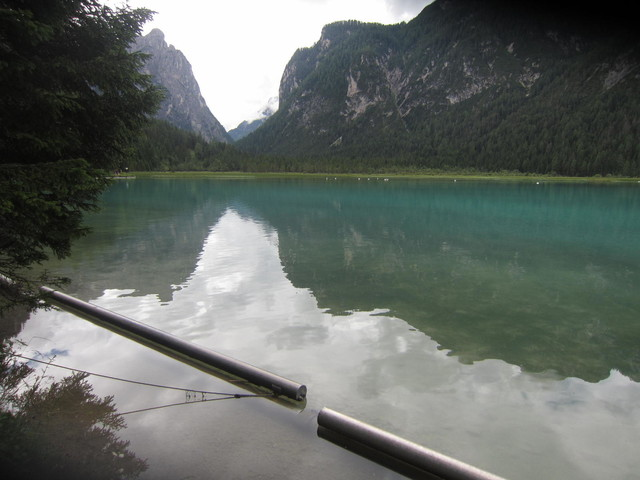 Toblacher See, li Birkenkofel(2943)-re Dürrenstein(2839).
