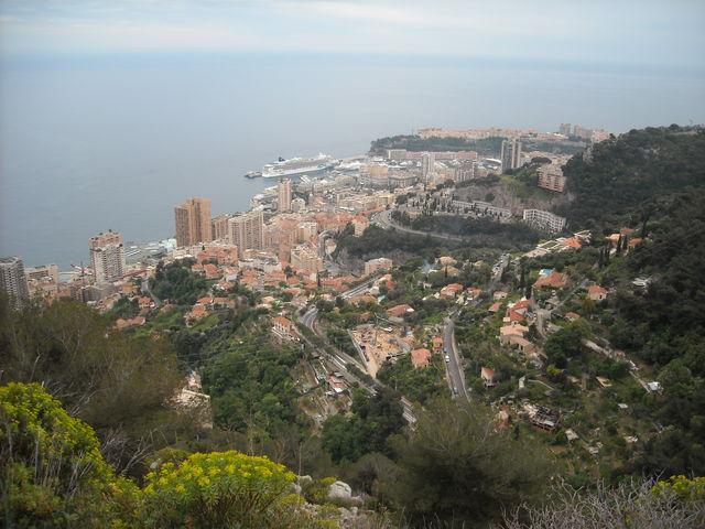 Blick auf Monaco bei der Abfahrt Richtung Menton