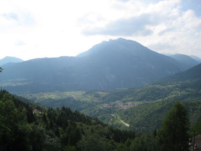 Ausblick von der Westanfahrt vom Col Falcon.