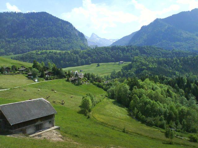 Ins Tal des Jaunbachs nach Charmey.