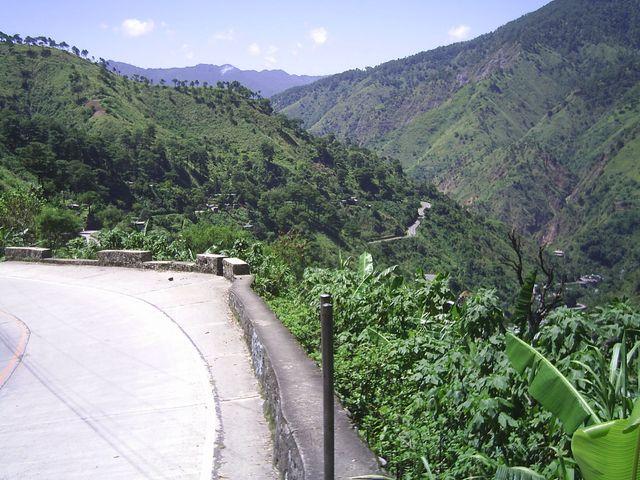 Baguio CannonRoad 4 Viewdeck von Strasse davor