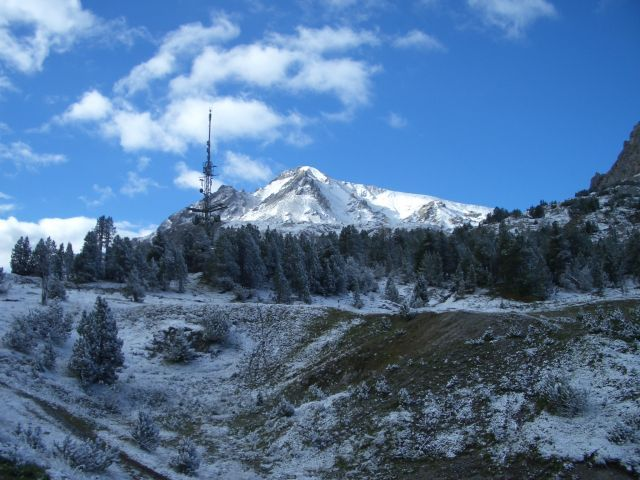 Weiße Bergwelt im Schweizer Nationalpark im August 2005